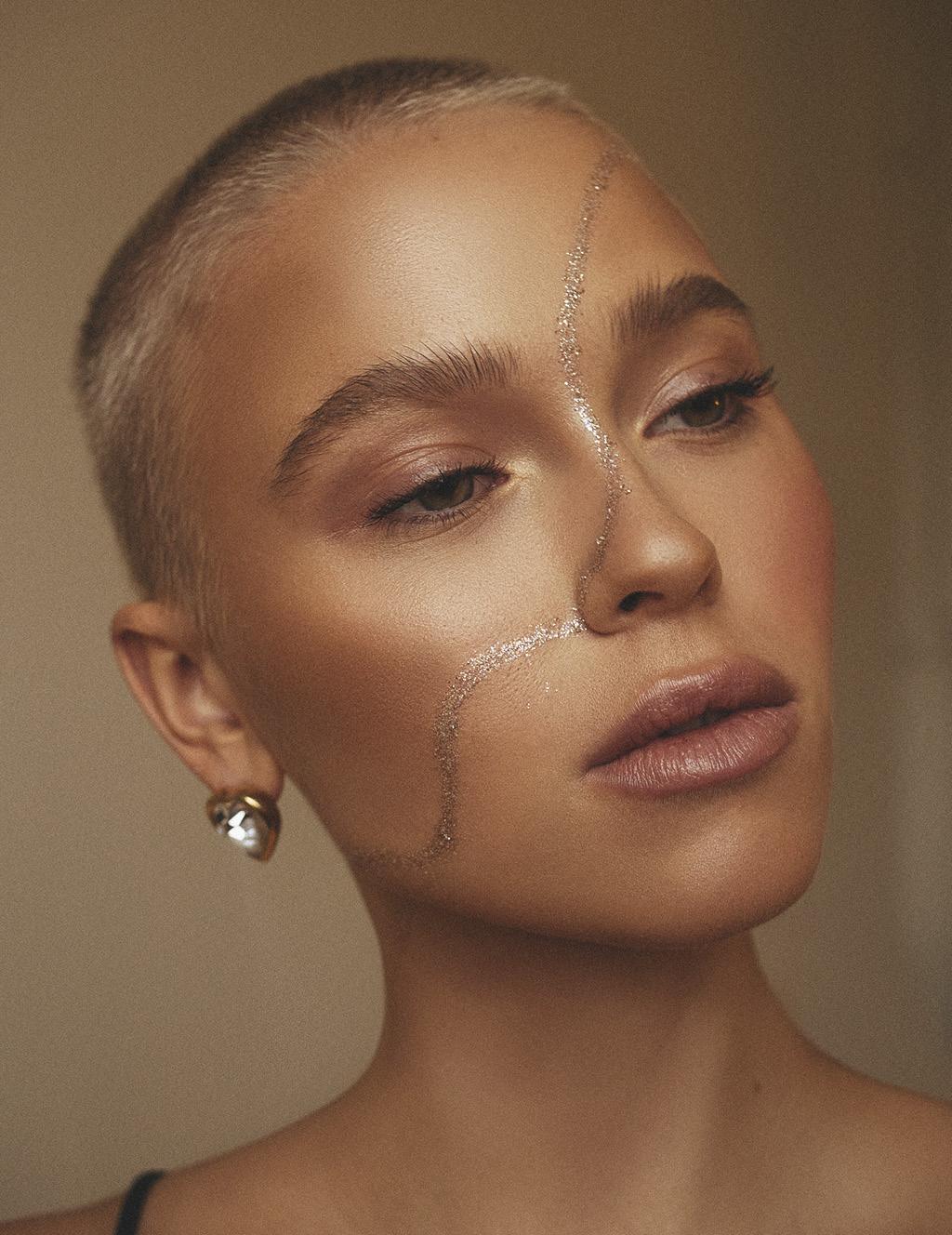 Фестивальный макияж глиттер