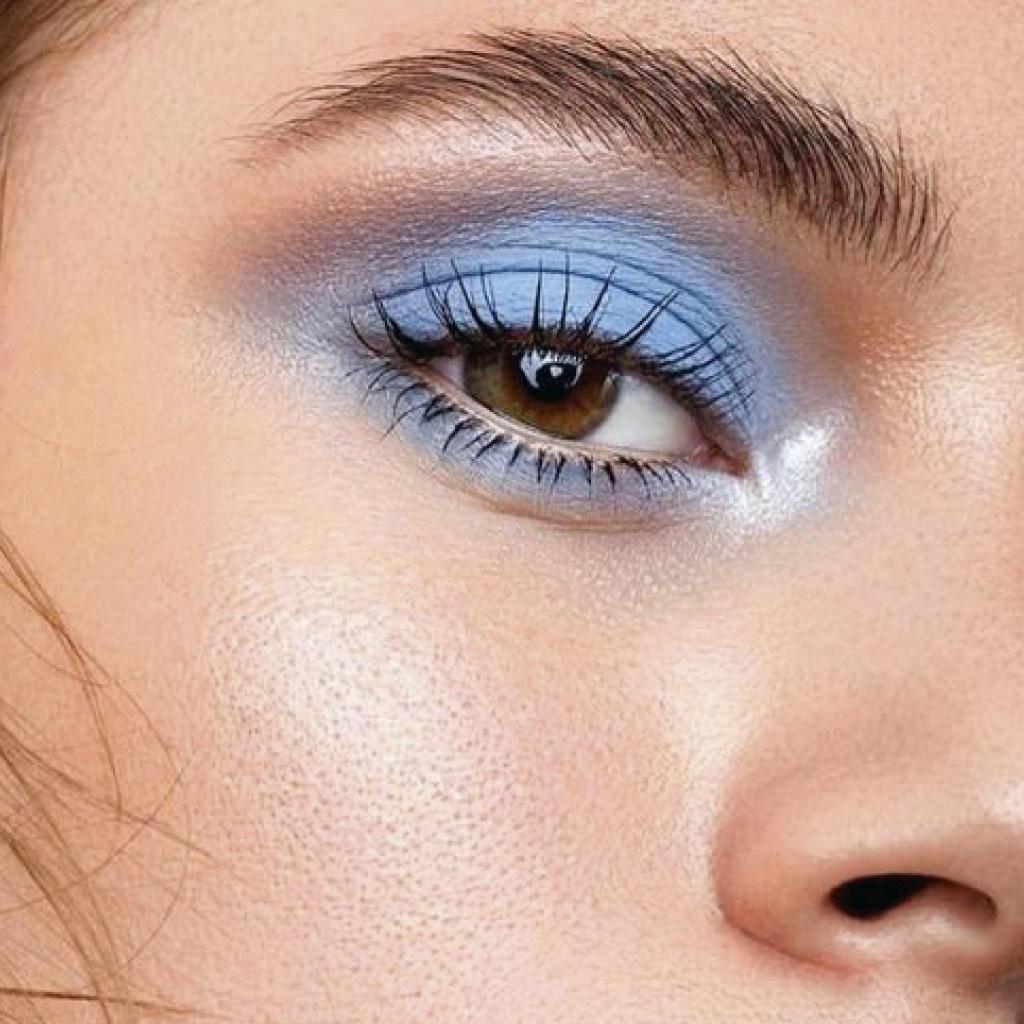 Легкий макияж синими тенями 2
