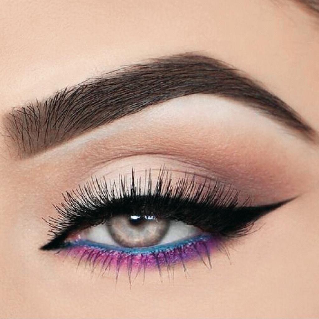 Легкий макияж синими тенями для зеленых глаз 2