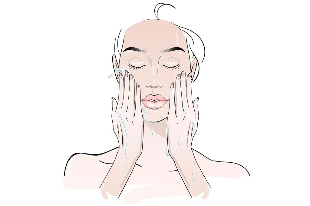 Очищать кожу часто, но легко