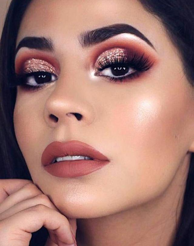 Ошибки макияжа блестящие тени нет