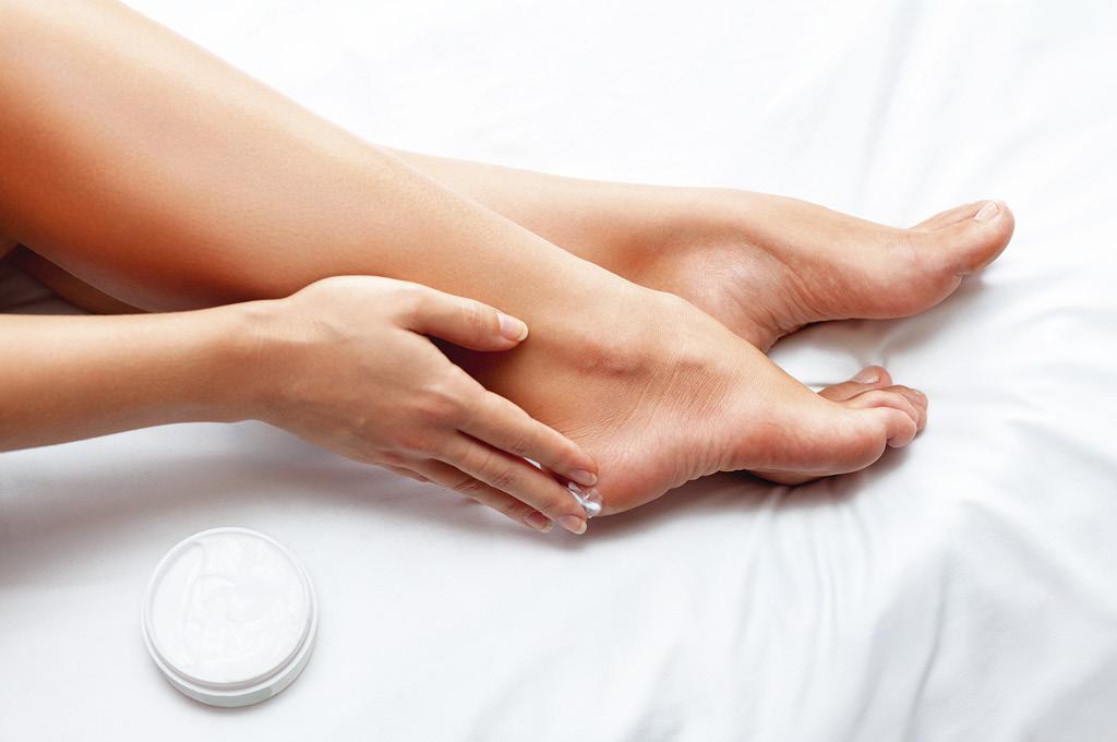 Питание кожи ног