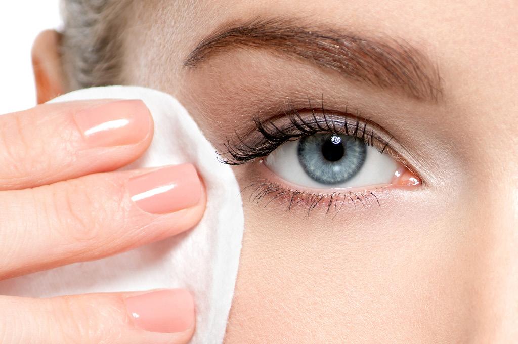 Почему так важен деликатный демакияж глаз