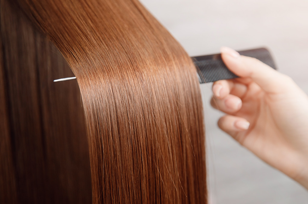 Как сохранить эффект гладких волос
