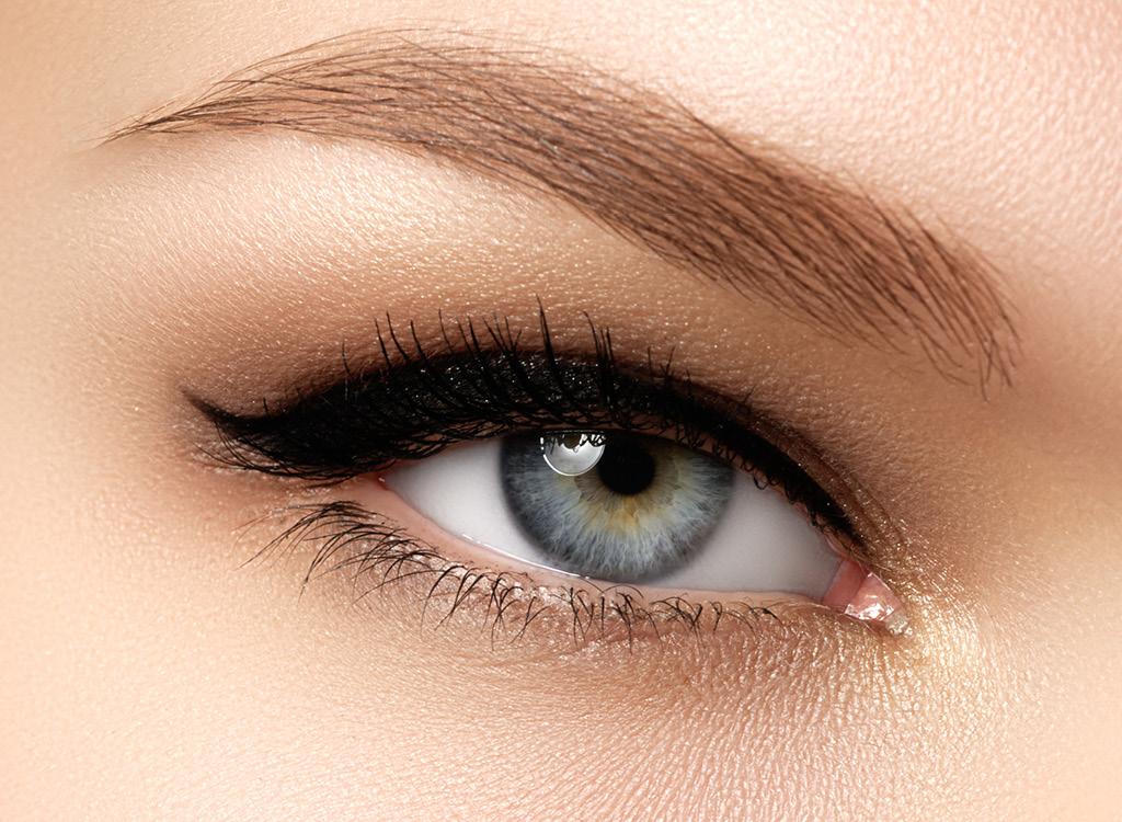 Средства для макияжа Средства для бровей
