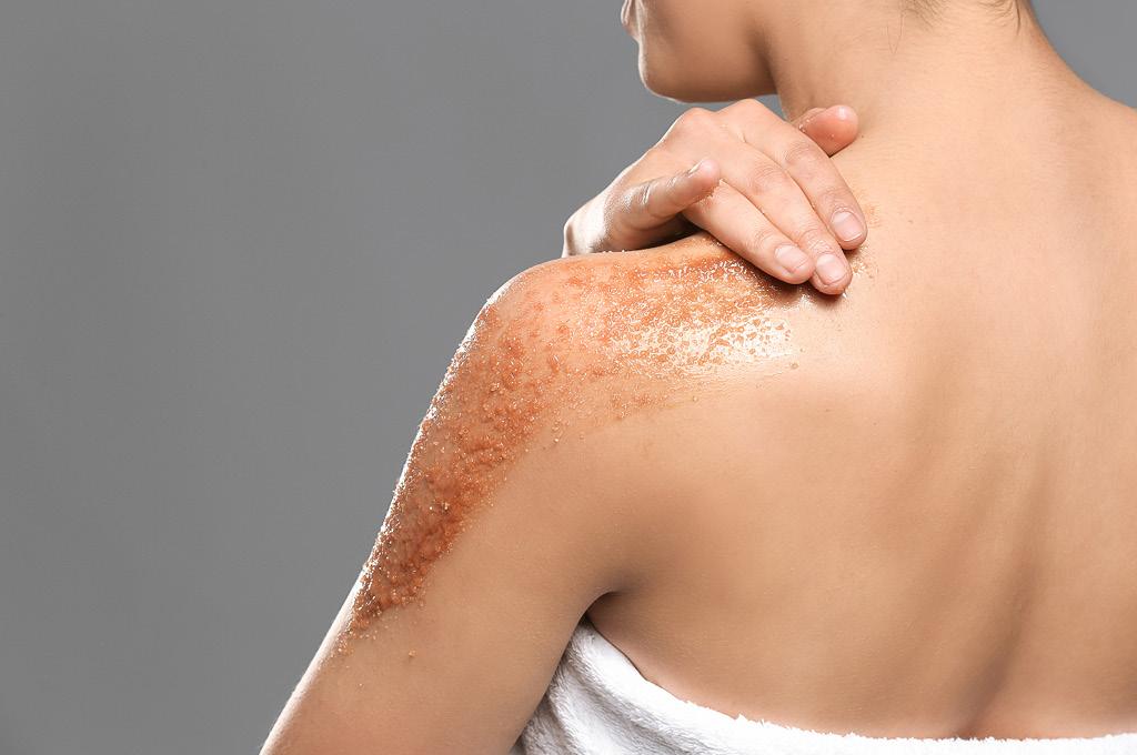 Скрабирование кожи тела