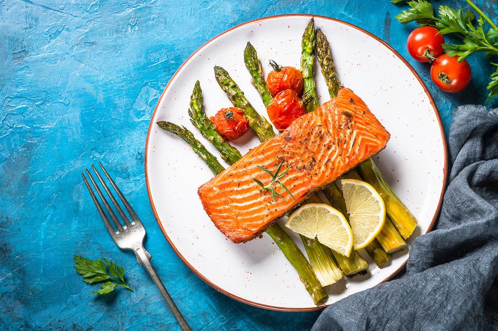 Возьми за правило немного перекусывать свежими овощами и нежирным мясом