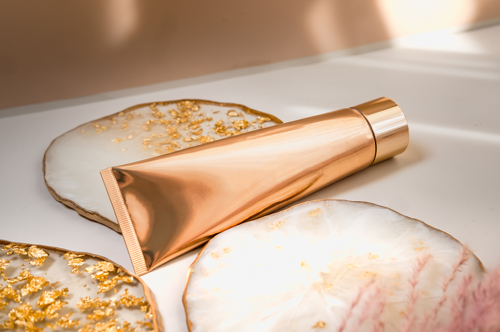 Вредно ли золото в косметике