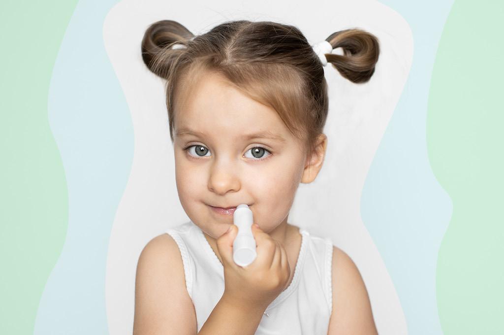 Защита губ ребенка зимой