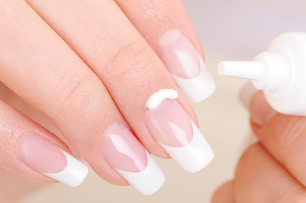 Как приклеивать накладные ногти? Пошаговая инструкция