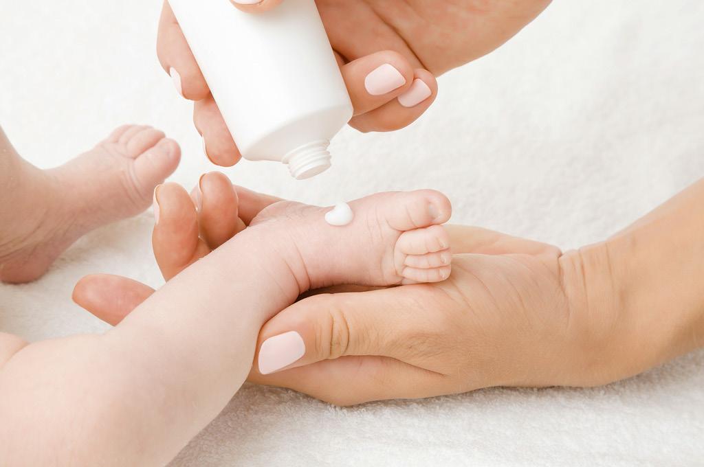 Эмоленты особый тип средств по уходу за кожей детей