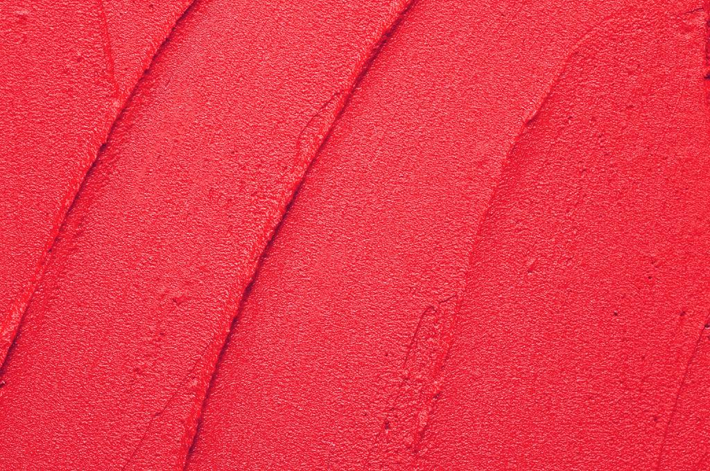 Матовая красная помада