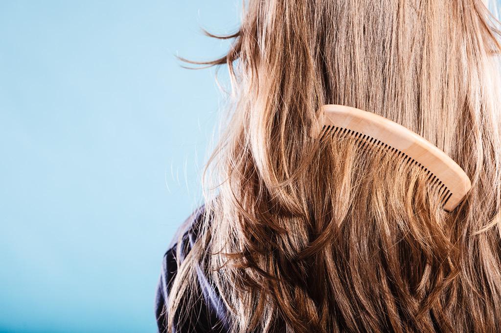 15 преимуществ деревянной расчески для волос