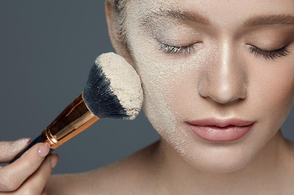 Основные заблуждения: Минеральная пудра полезна для жирной кожи