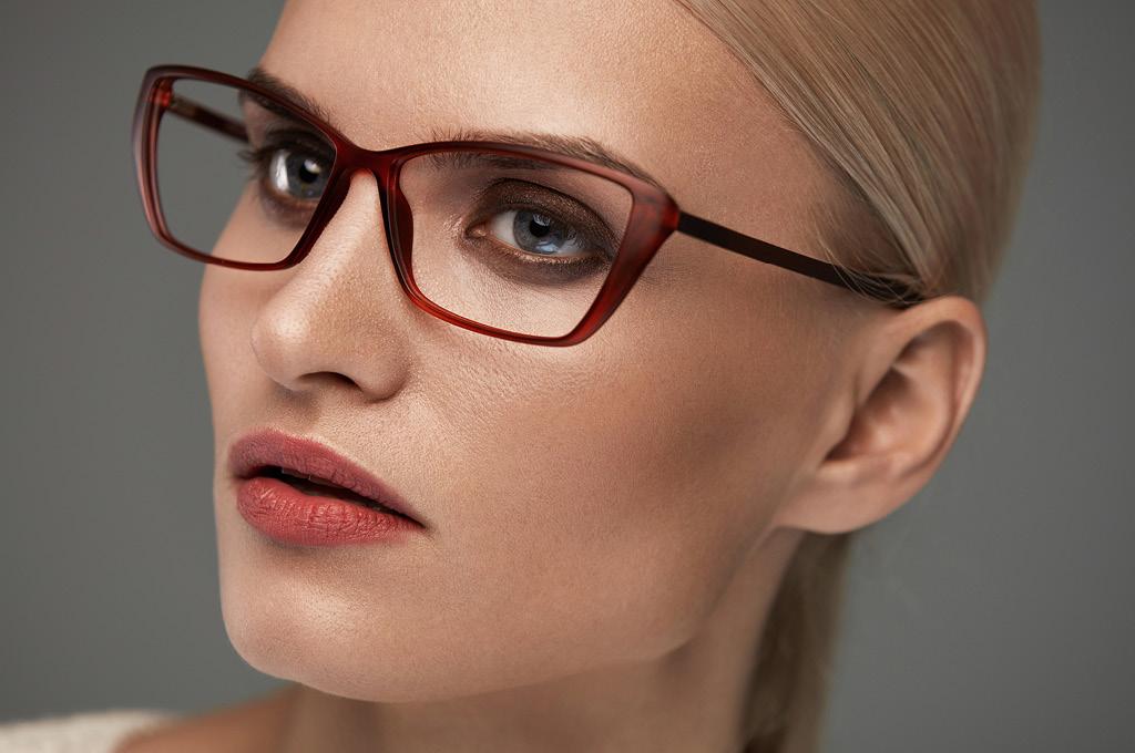 Если ты носишь цветные очки, подводи глаза карандашом той же температуры