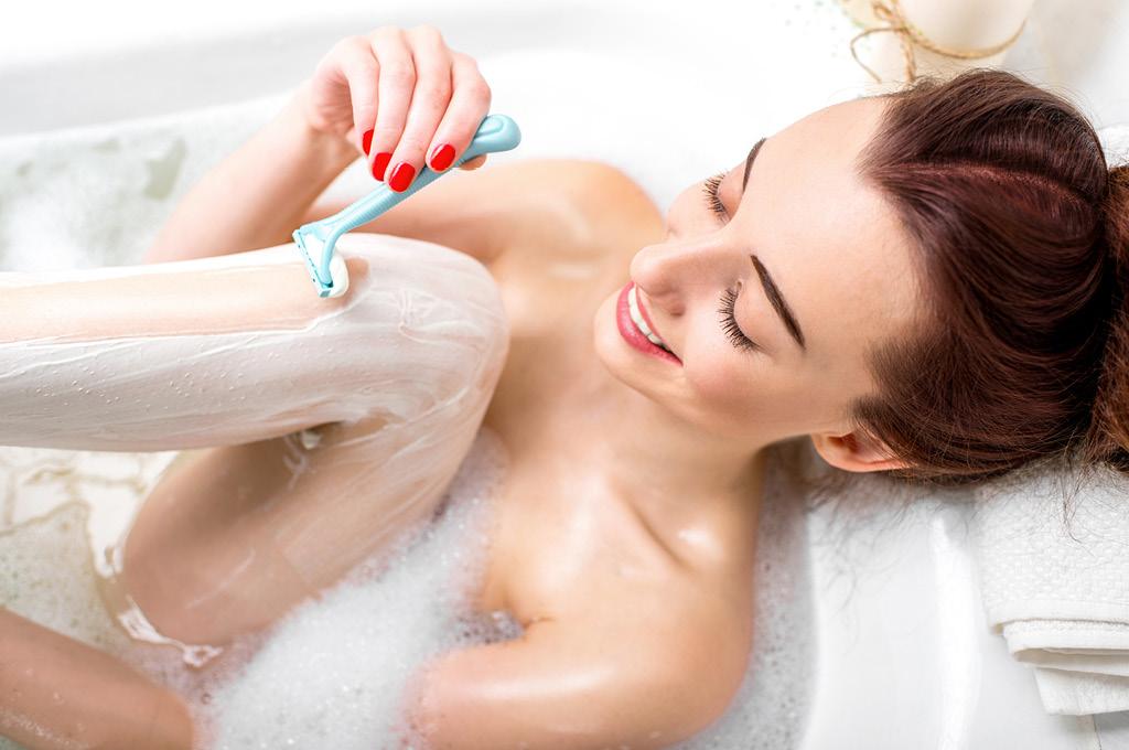 Как правильно брить ноги: Используй средства для бритья и после
