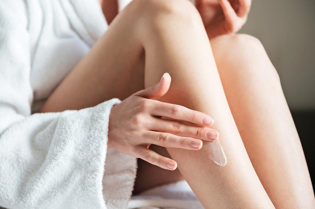 Как правильно брить ноги: Увлажни кожу