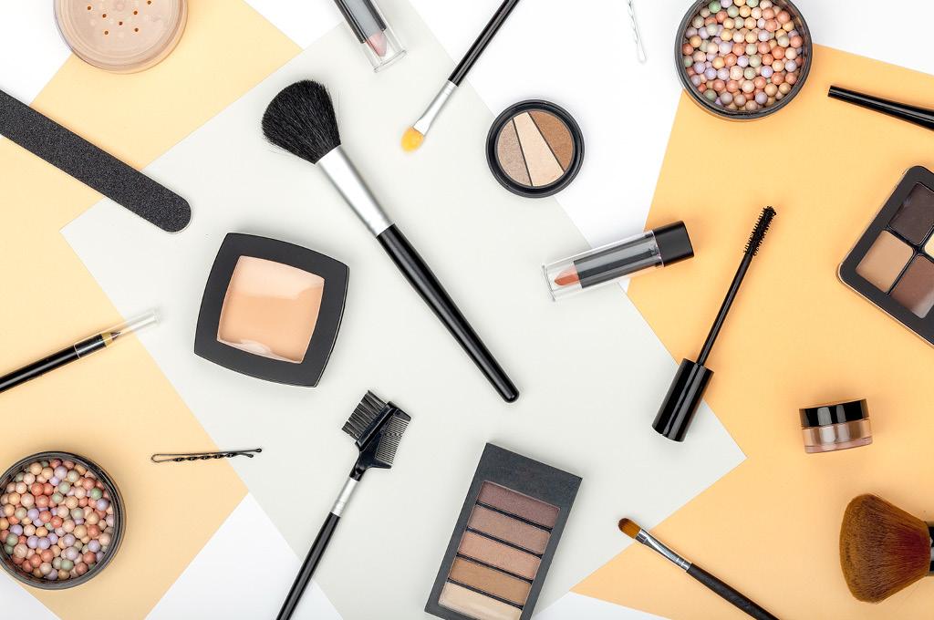 Как сделать модный прищур при помощи макияжа