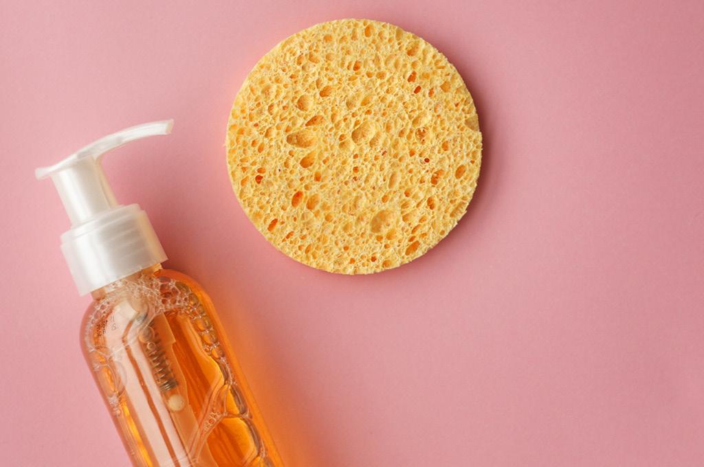 Очищение кожи перед нанесением крема