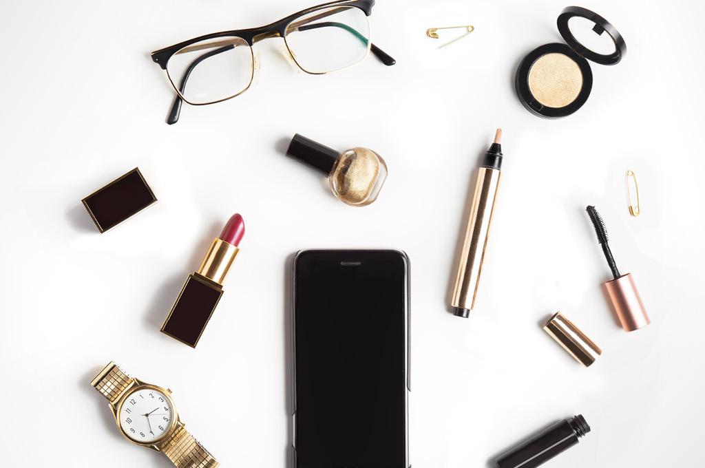 Топ-7 средств для макияжа под очки