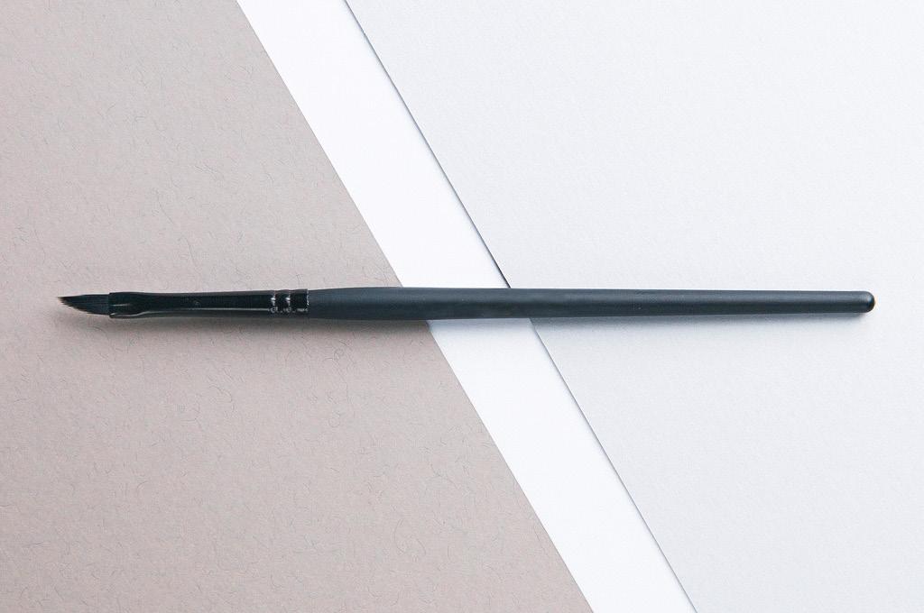 Кисть-карандаш