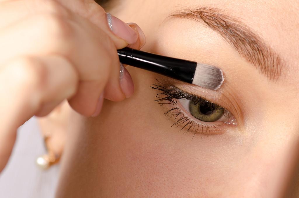 База под макияж: База для век