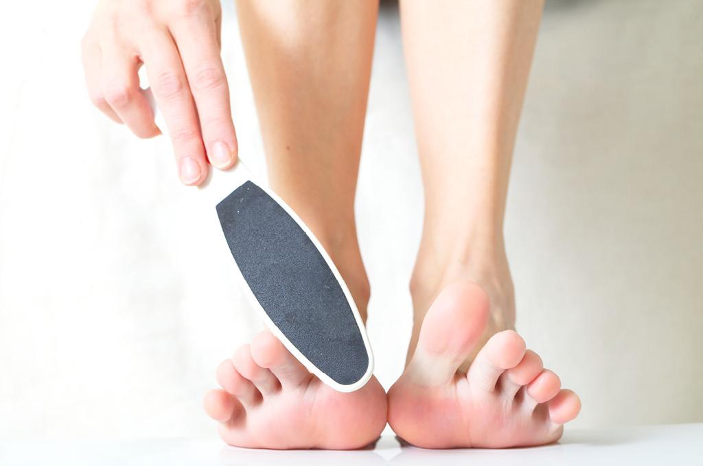 Как устранить натоптыши и сухие мозоли на ногах