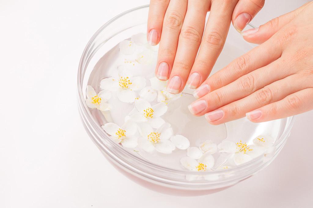Как убрать желтизну с ногтей полезные советы: Ванночки с ромашкой