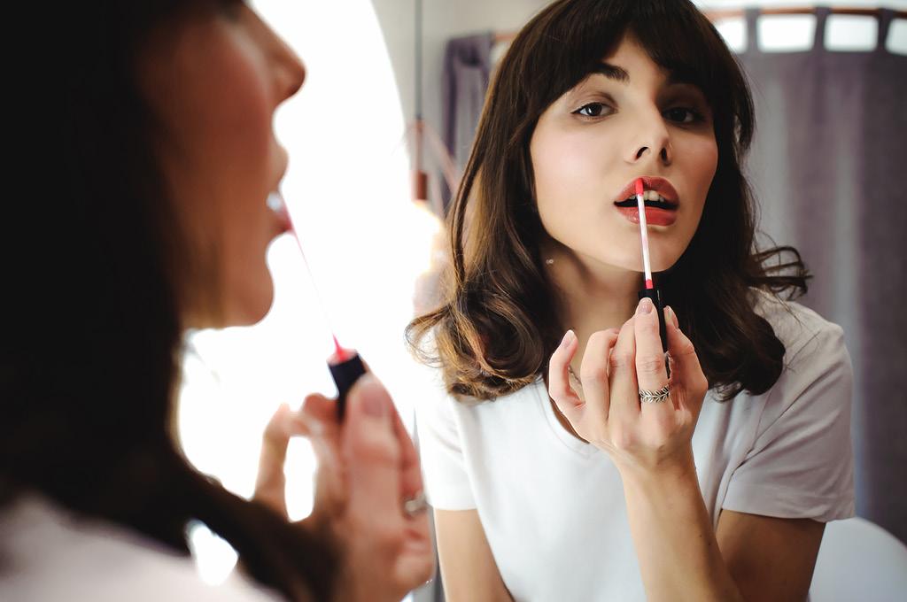 Как наносить тинт на губы