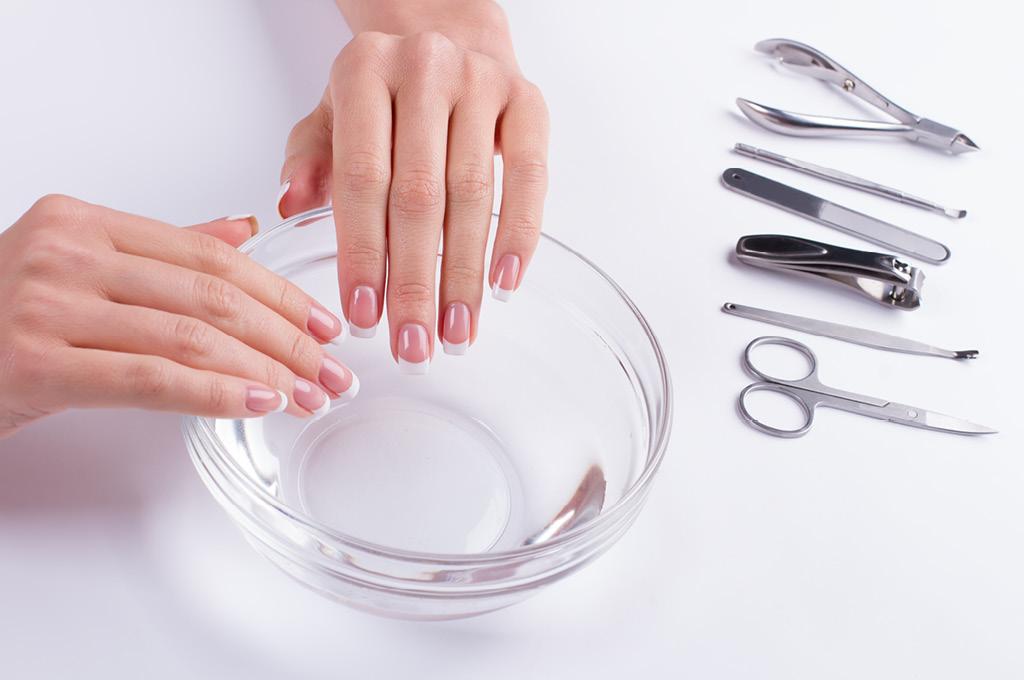 Как ускорить рост ногтей: Солевые ванночки