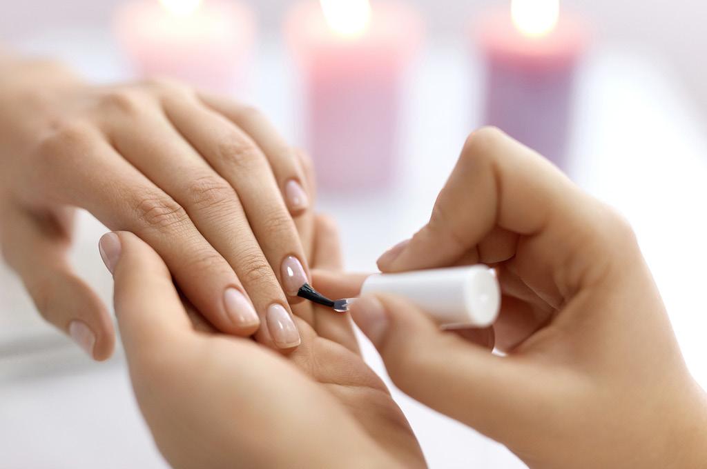 Как ускорить рост ногтей: Укрепляющее покрытие