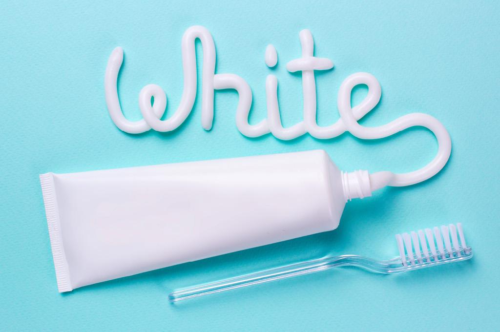 Топ-средств для домашнего отбеливания зубов из «Подружки»